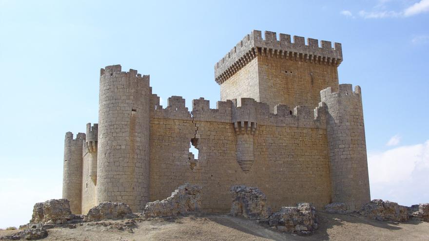 Con la vista en el Castillo de Villalonso (Alfoz de Toro)