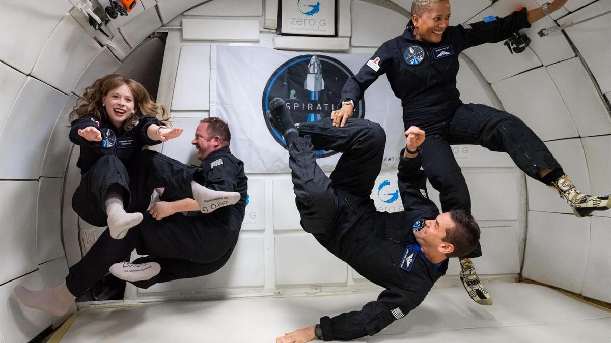La tripulación de la Inspiration4: Hayley Arceneaux, Christopher Sembroski, Jared Isaacman y la Dra. Sian Proctor.