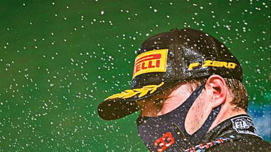 Lección de pilotaje de Verstappen