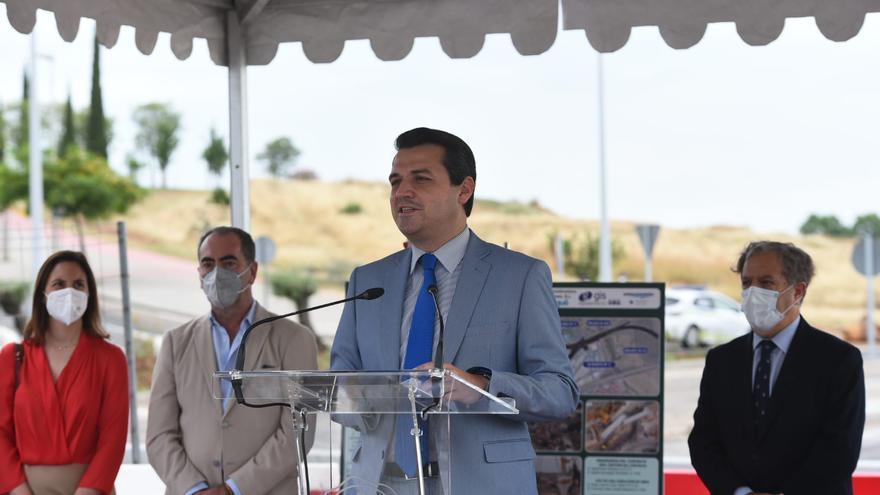 El alcalde de Córdoba, José María Bellido, en la inauguración de la Ronda Norte de Córdoba