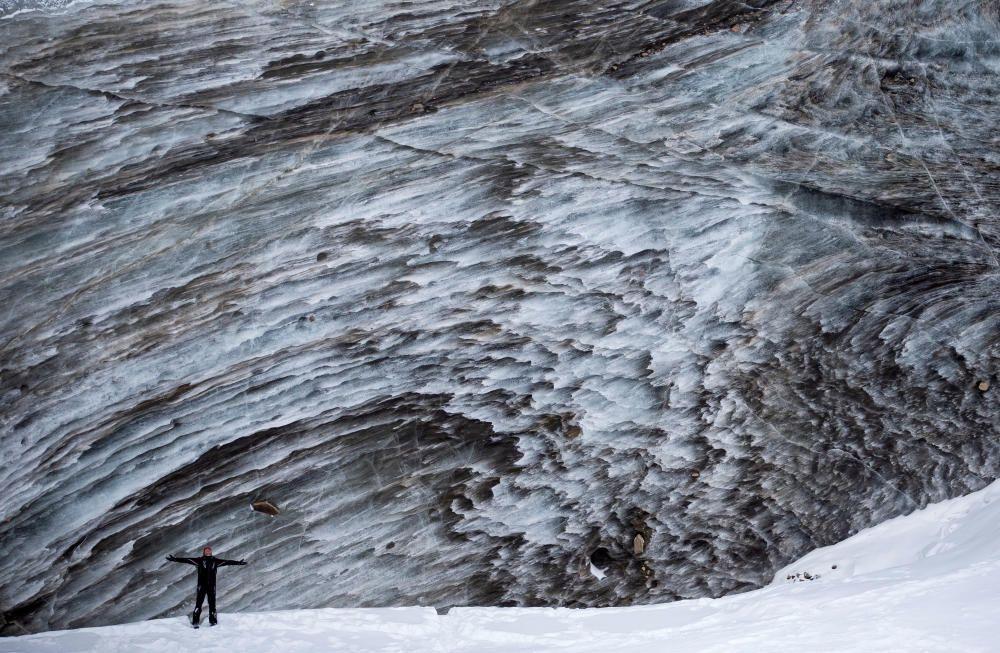Glaciar Bogdanovich, Kazajstán.