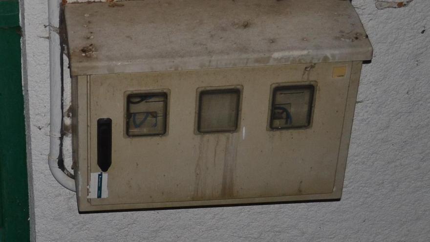 Investigados dos agentes de la Guardia Civil por un presunto delito masivo de manipulación de contadores eléctricos en Villacastín, Segovia