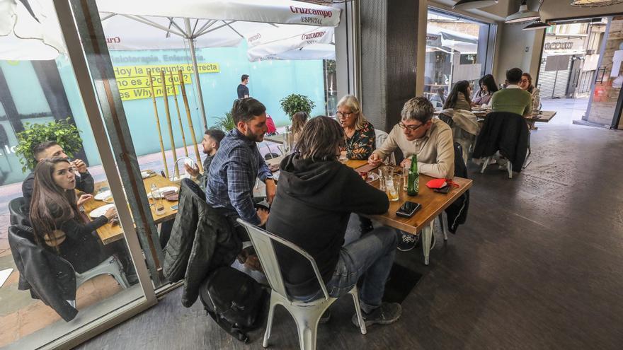 Ayuntamiento y Generalitat promueven una veintena de cursos de hostelería en Elche