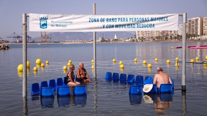 Málaga capital incorpora la primera zona de baño adaptada