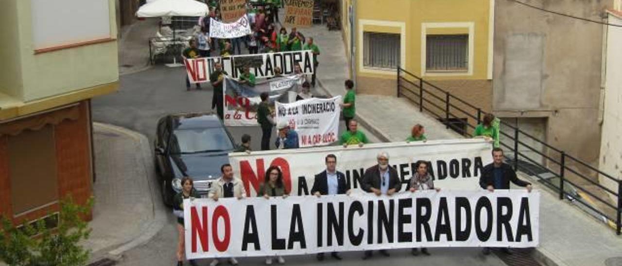 L'Alcora pide al Consell que no recurra la sentencia que anula la AAI de Reyval