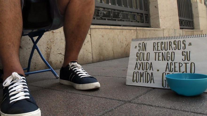 Casi 4,3 millones de personas están en pobreza severa y solo un 16% recibe ayuda