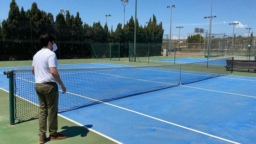 El Campello reabre el lunes para los clubes las pistas de tenis, el trinquet y el circuito BMX