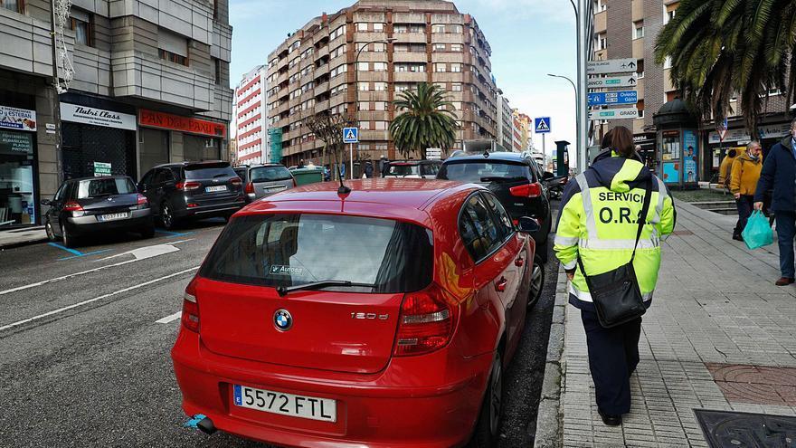 """El uso de la """"zona azul"""" se redujo un 30% por las restricciones de movilidad"""