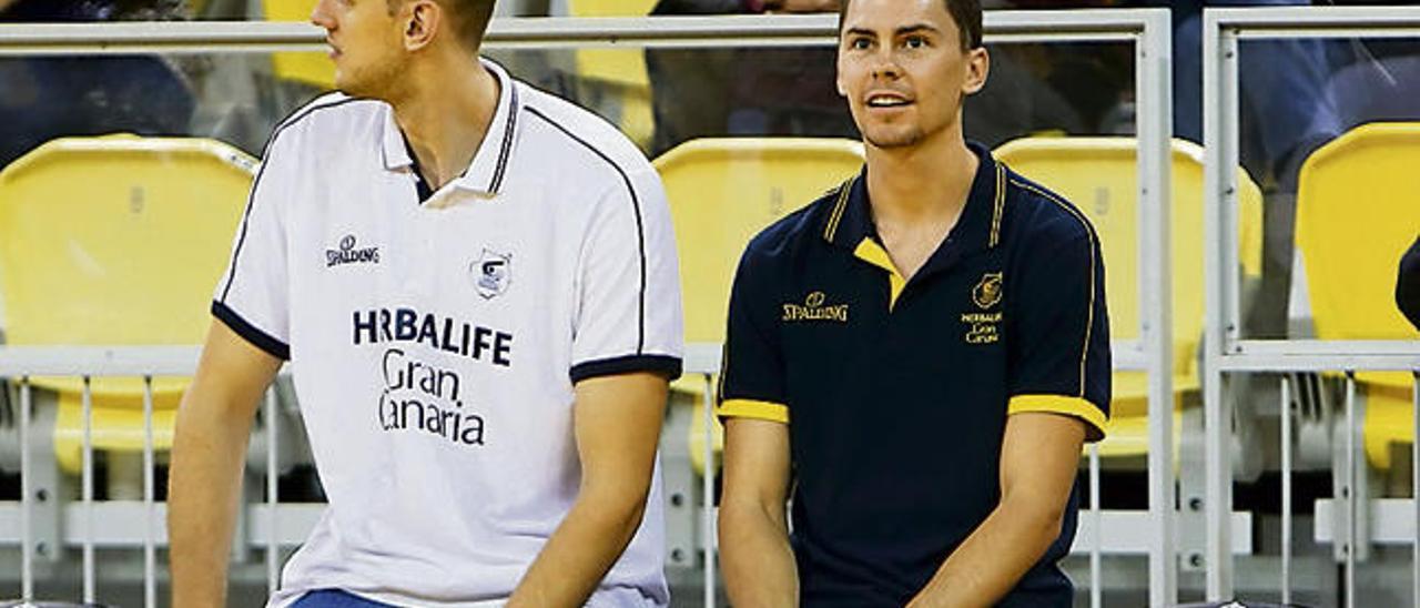 Galdikas (izquierda) junto a Kuric en el último partido en casa del Herbalife frente al Joventut.