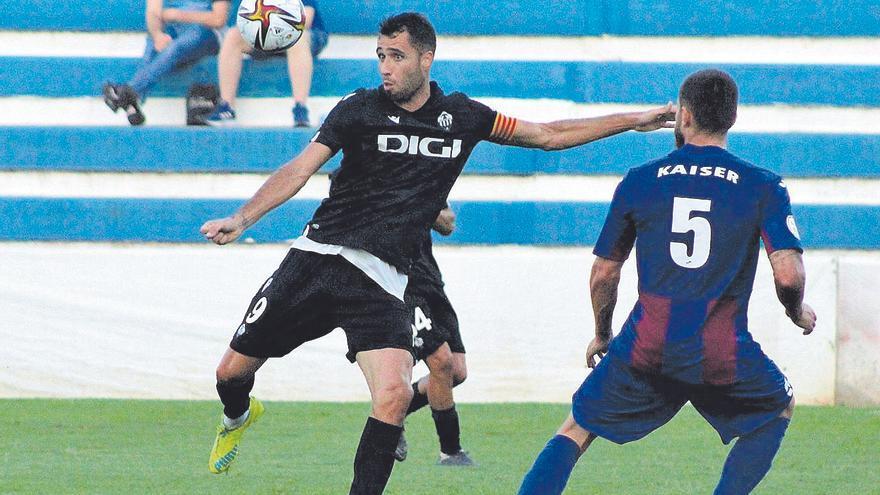 El Castellón estrella dos balones al larguero y pierde frente al Alzira (1-0)