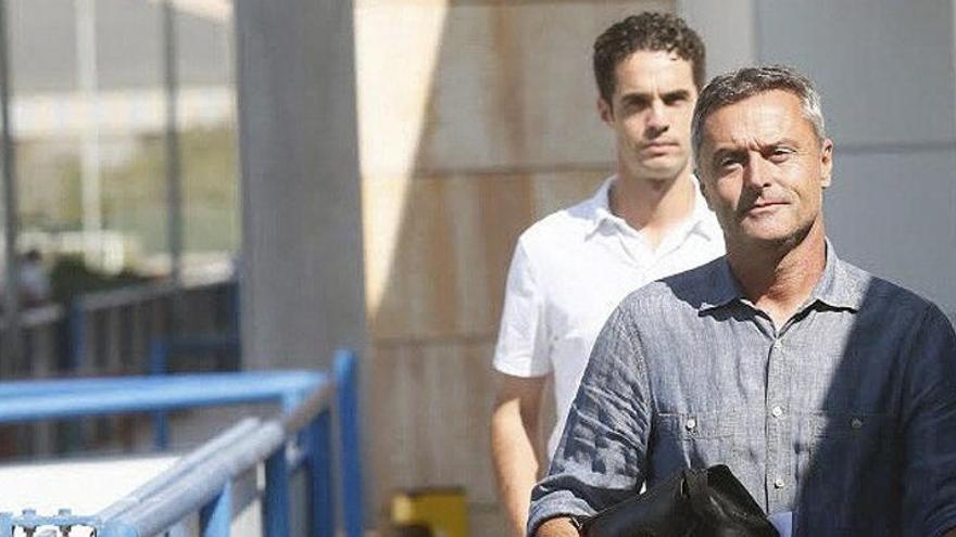 Fran Escribá ve listo a Pastore para debutar