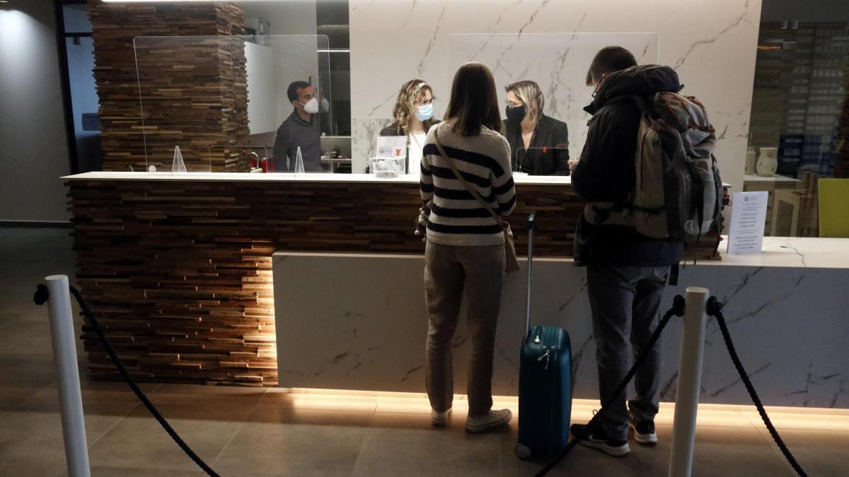 Recepció de l'hotel Montecarlo de Roses