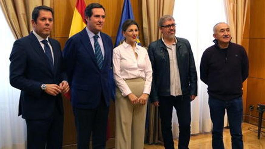 El govern espanyol aprova la pròrroga dels ERTO i de la prestació d'autònoms fins al 30 de setembre