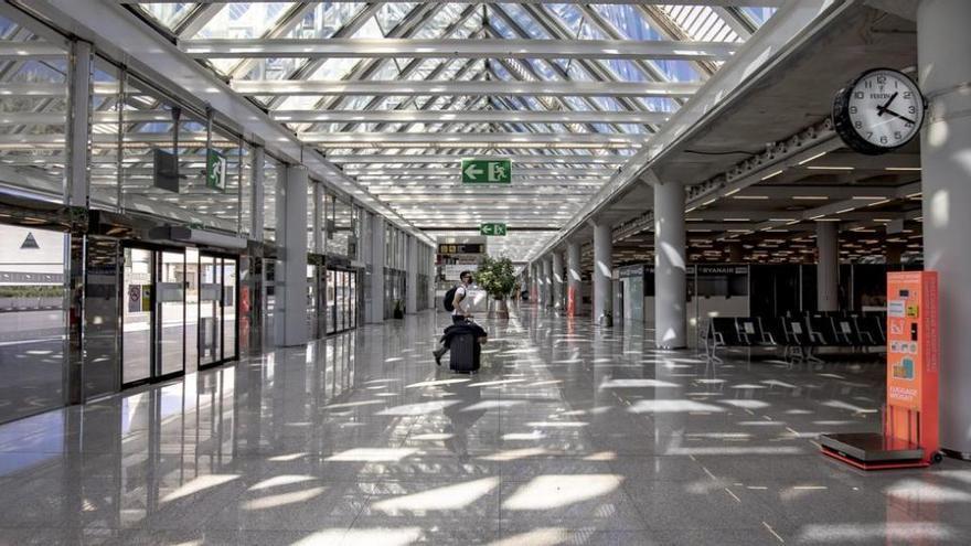Geschäftsleute am Flughafen ziehen wegen hoher Mieten vor Gericht