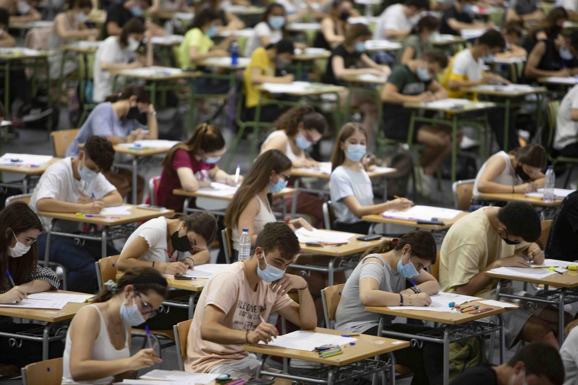 Así fueron las pruebas de la PAU para los estudiantes de la Costera en Xàtiva