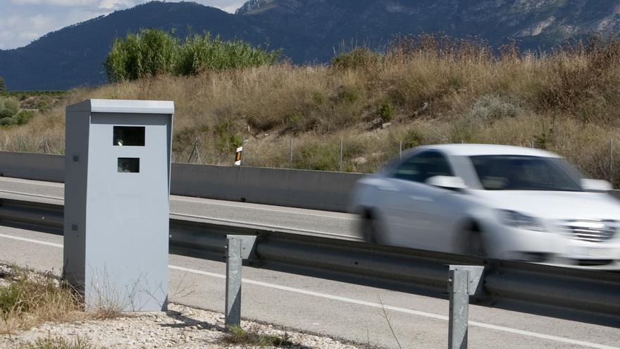 Tráfico aumenta esta semana los controles de velocidad, un factor presente en el 23% de los siniestros mortales