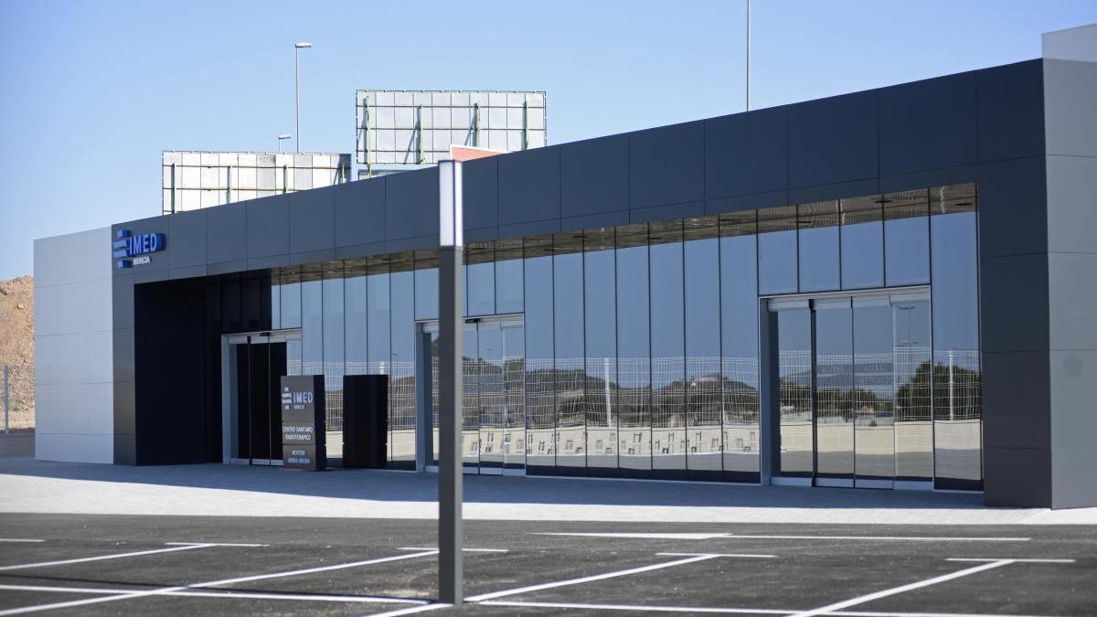 IMED comienza a tratar a pacientes de radioterapia en Murcia