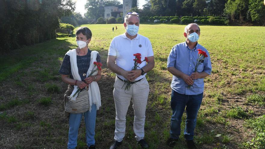 Familiares de víctimas del franquismo emocionados en su primera visita al Pazo de Meirás