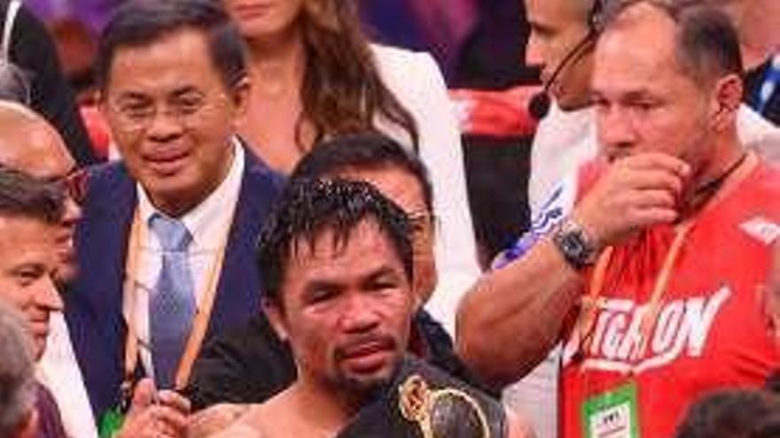 Pacquiao, campeón mundial del peso welter de la AMB a sus 40 años