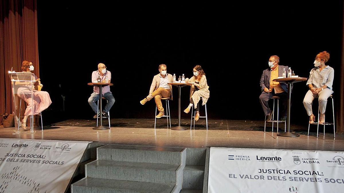 De izquierda a derecha: Sena, Zaragoza, Uceda, Ramón, Parreño y López Cayuela. | FERNANDO BUSTAMANTE