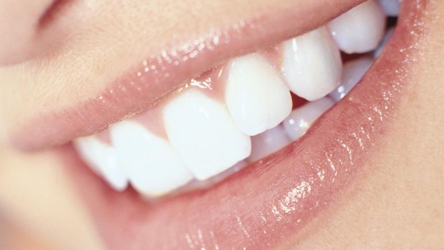 SANIDAD | Implantes y dientes nuevos en 10 horas