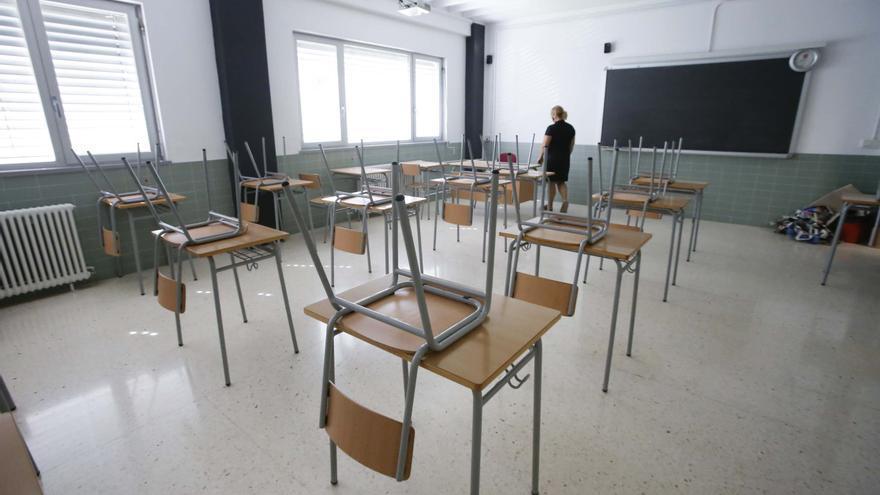 El Ayuntamiento reclama a la Generalitat que explique cómo garantizará la seguridad de los escolares en la vuelta a clase tras el positivo en un instituto