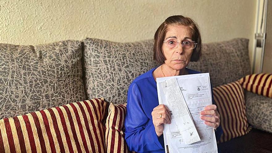 """""""Con el agua que ponen las facturas se podrían llenar tres piscinas"""", dice la vecina de Lugones que denuncia fallos en la lectura de su contador"""