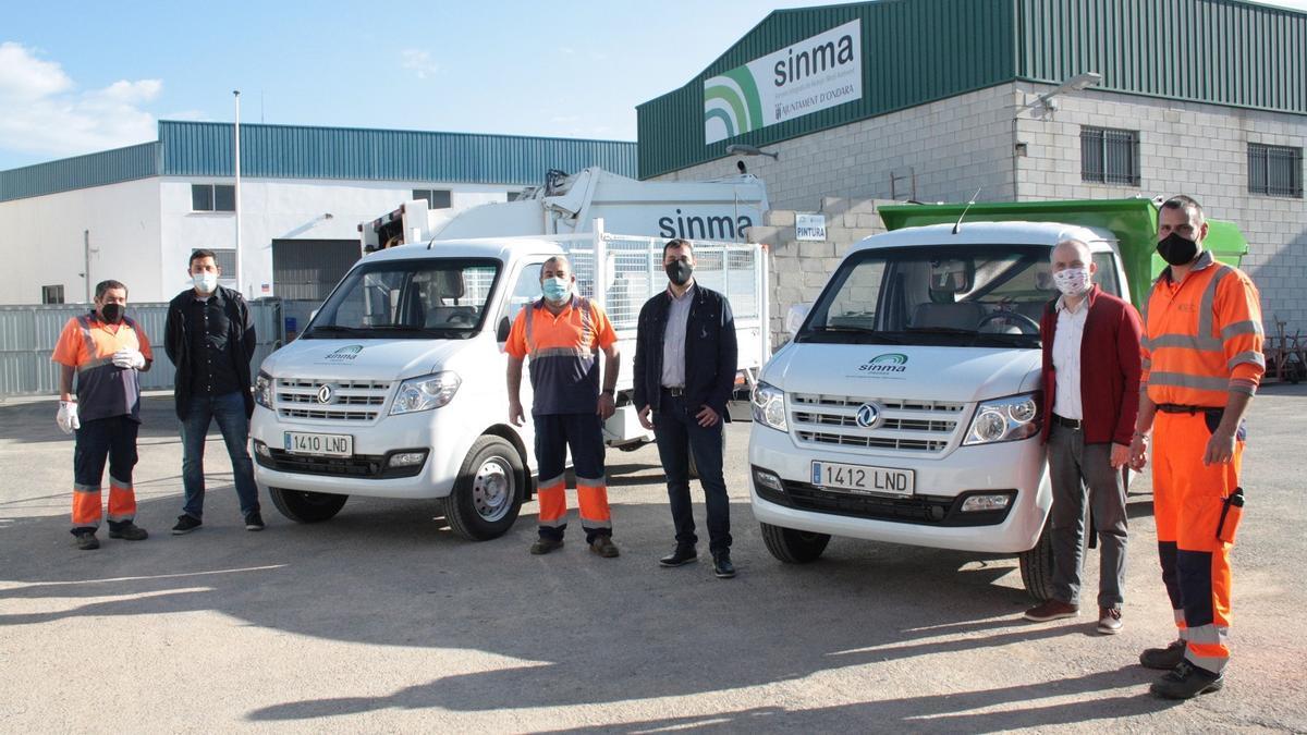 Los dos nuevos vehículos de la empresa pública de Ondara