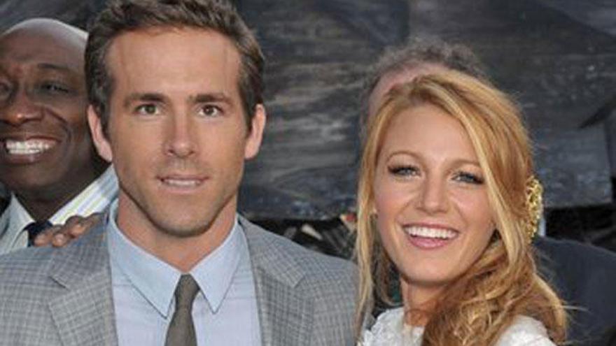 Así se entretiene Ryan Reynolds mientras Blake Lively está fuera de casa