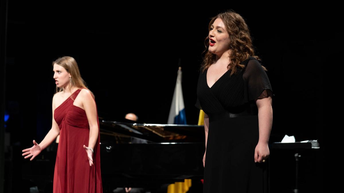 Eleonora Nota y Giulia Mazzola durante el recital