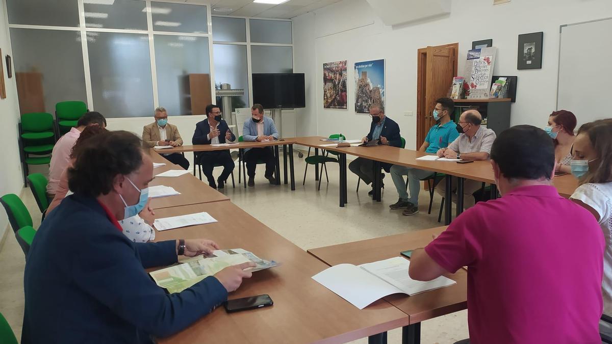 Reunión de la constitución de la Asociación Vía Verde del Aceite.