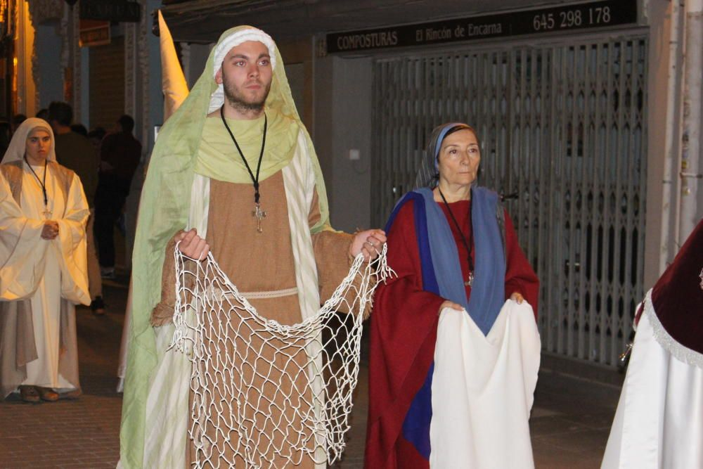 La solemnidad del paso de la Crucifixión llevado a costal
