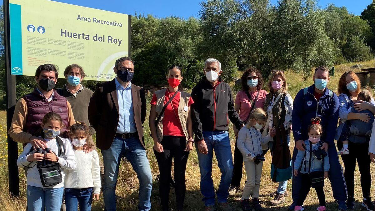 Asistentes al área recreativa de Huerta del Rey, Sierra de Hornachuelos.