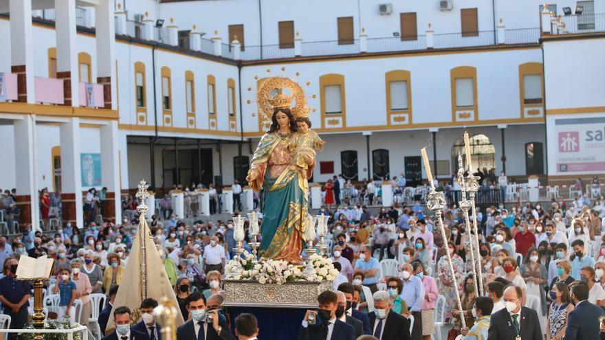 Rendidos en Córdoba a las plantas de María Auxiliadora