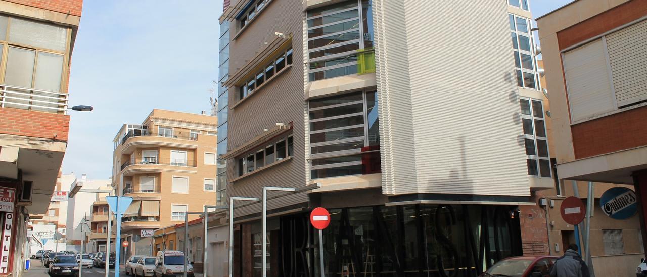 Imagen de archivo de la sede del área de Urbanismo, que ocupa cinco plantas en el centro de Torrevieja