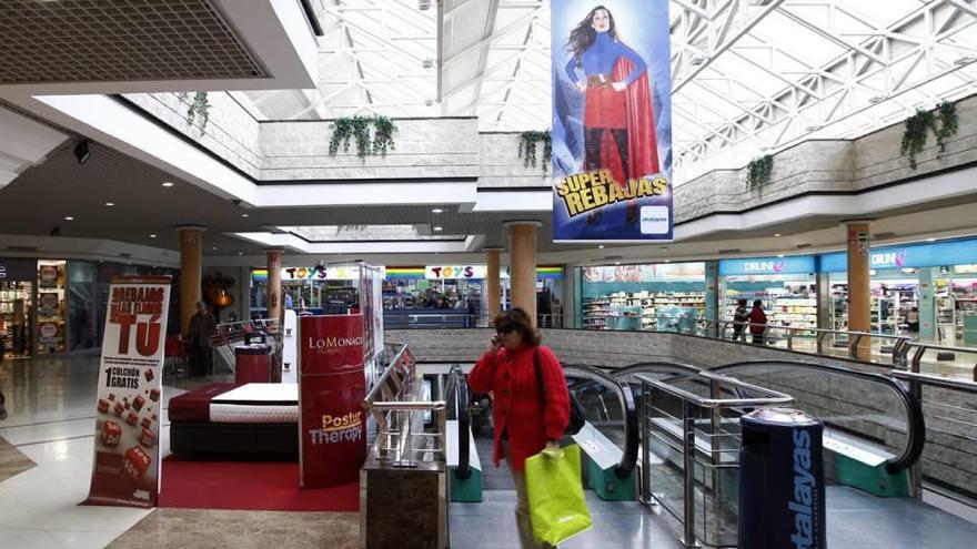 Una filial de Carrefour compra el centro comercial Atalayas