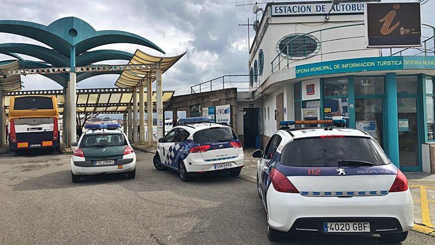 Un herido en una pelea en la estación de buses de Cangas