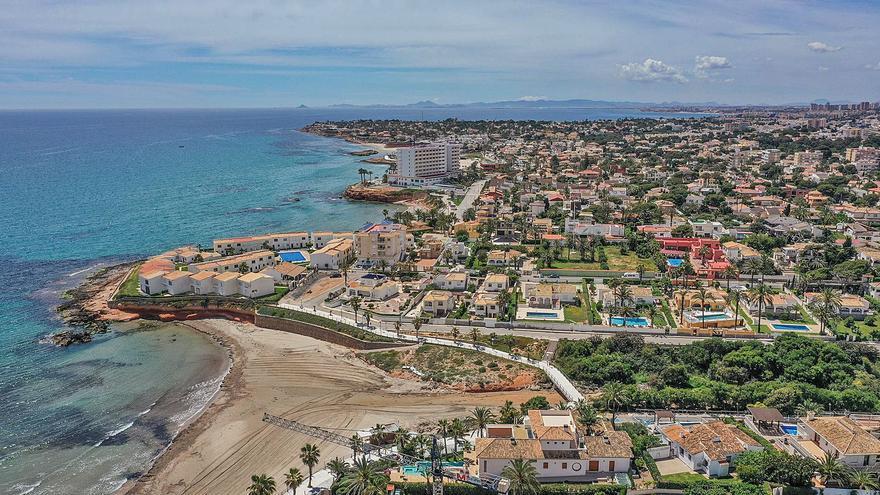 Una ley preconstitucional amenaza la venta de más de 800 viviendas anuales a británicos en la Vega Baja