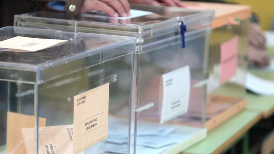 Un votante ebrio y falta de papeletas, algunas de las incidencias en València