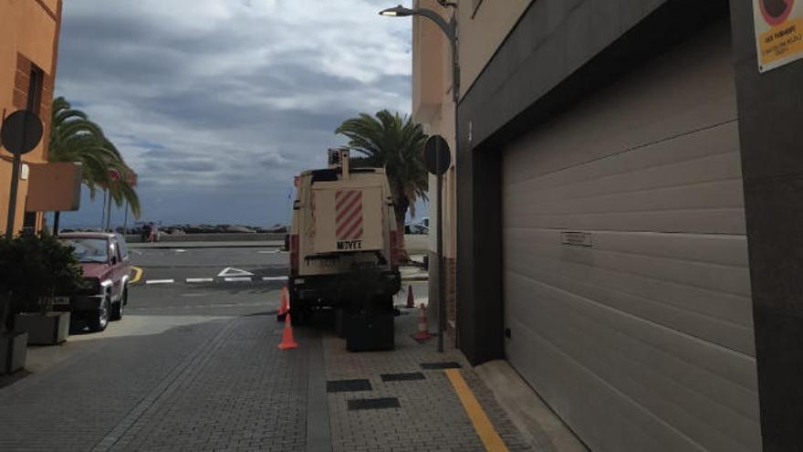Santa Cruz renueva las luminarias de San Andrés e instala luces led