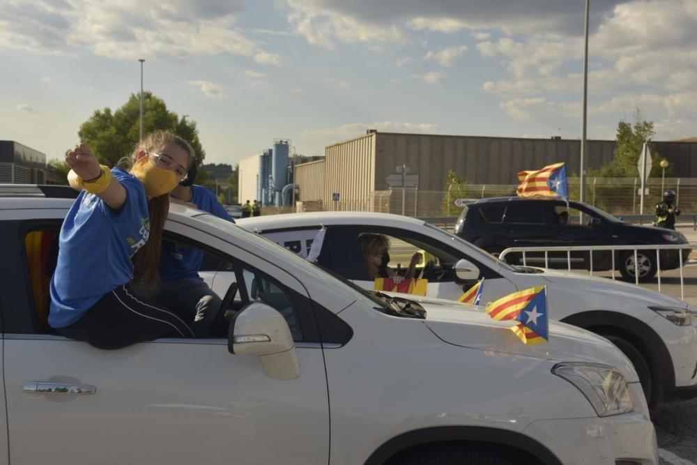 Tret de sortida de la rua cap a Lledoners amb més de 200 vehicles a l'aparcament de Menfis de Manresa
