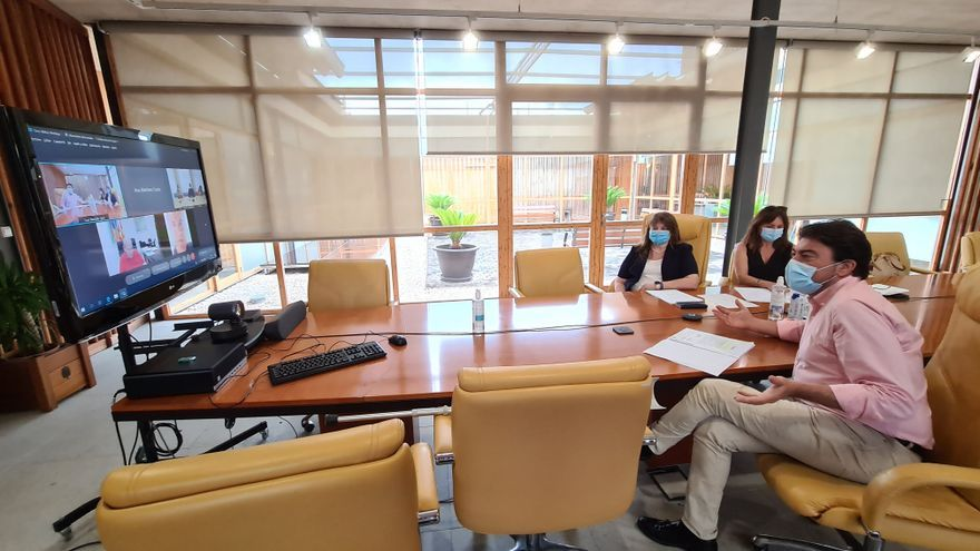 Acuerdo para realojar al conserje del colegio Rabassa de Alicante e iniciar la retirada del fibrocemento