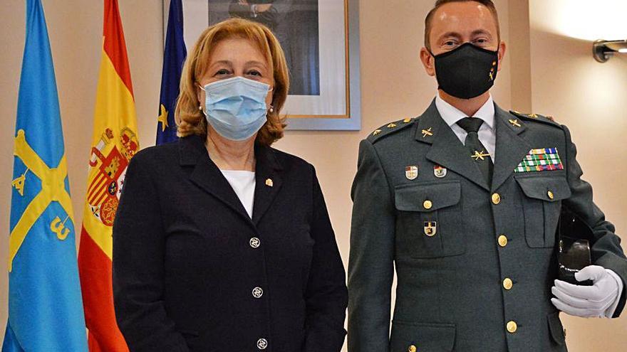 El teniente coronel Alberto Aguilera ya ejerce de jefe de la Guardia Civil en Gijón
