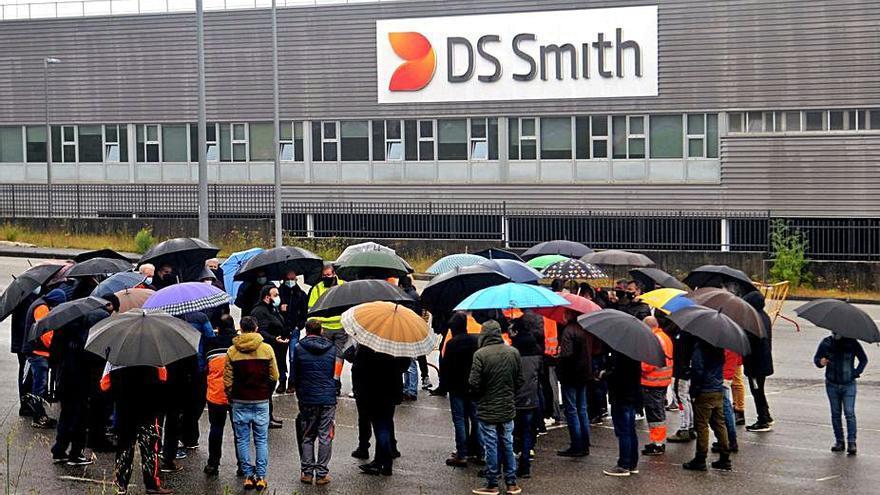 El primer día de huelga paraliza la actividad en DS Smith, antigua Lantero
