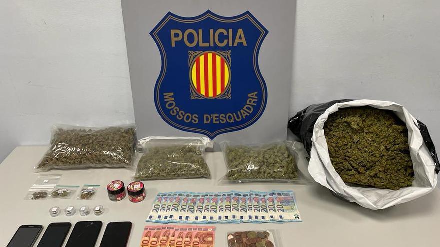 Intercepten un cotxe amb més de tres quilos de cabdells de marihuana a Berga