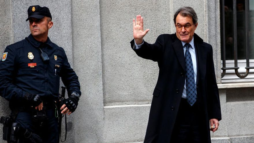 El Supremo rebaja a un año y un mes la inhabilitación de Artur Mas por el 9N