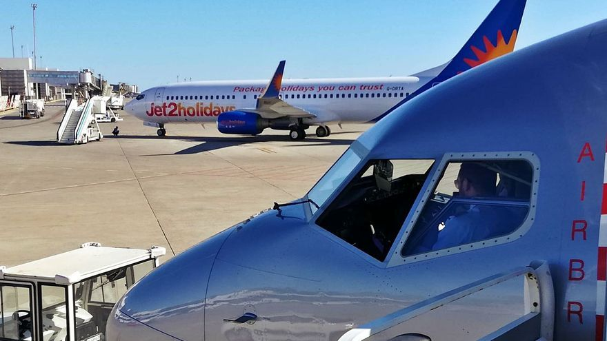Temor en Ibiza a que otros turoperadores imiten a Jet2 y aplacen a junio sus vuelos