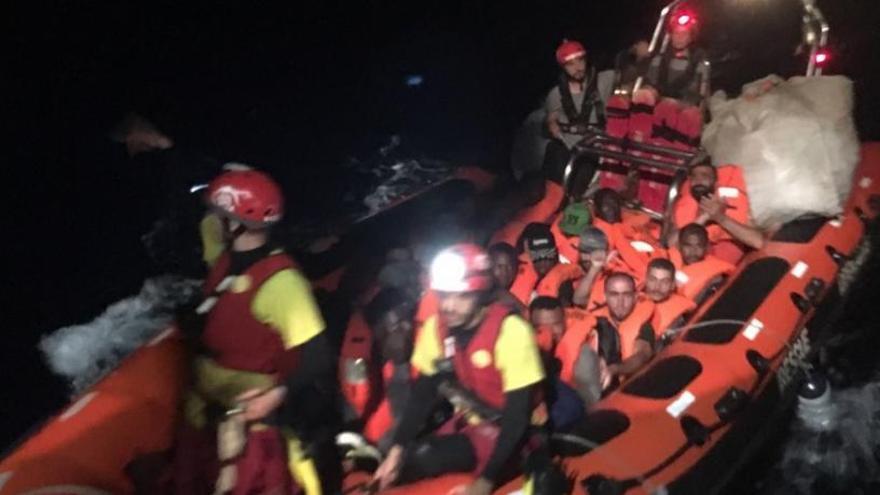 El Open Arms rescata a  39 personas en el Mediterráneo