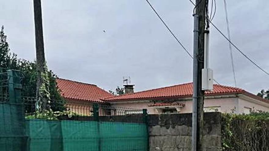 Besada reclama a la Xunta una marquesina para los escolares de Raxó