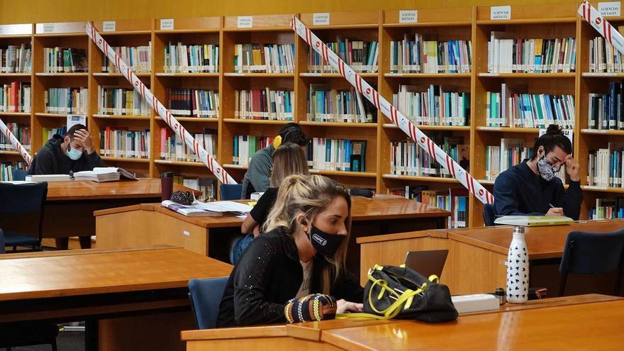 La UMA reabre las bibliotecas y las instalaciones deportivas y retoma la actividad cultural